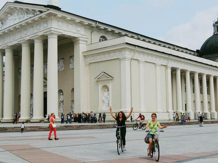 bike ride in vilnius