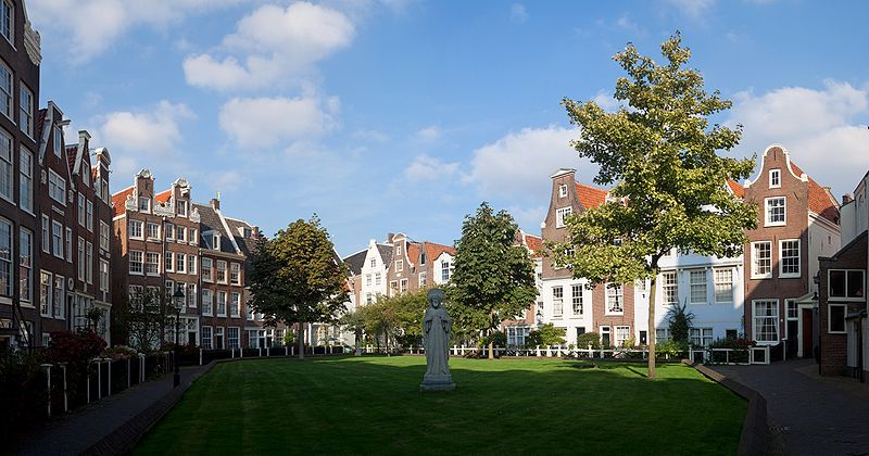 Begijnhof courtyard travel.jpg