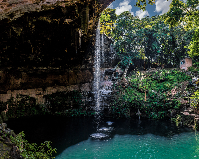 Cenote Zaci - teaching English in Mexico with ILP