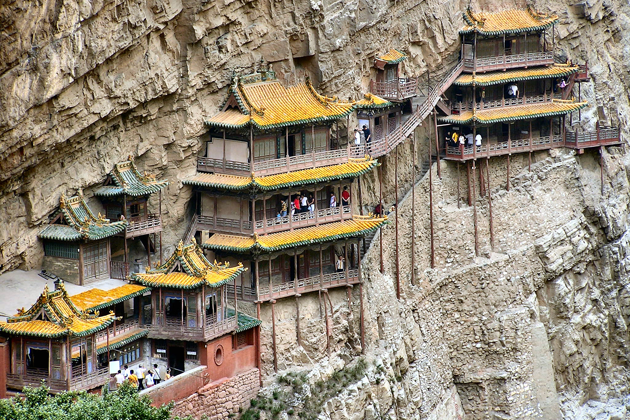 Henshan Hanging Temple in China-1.jpg