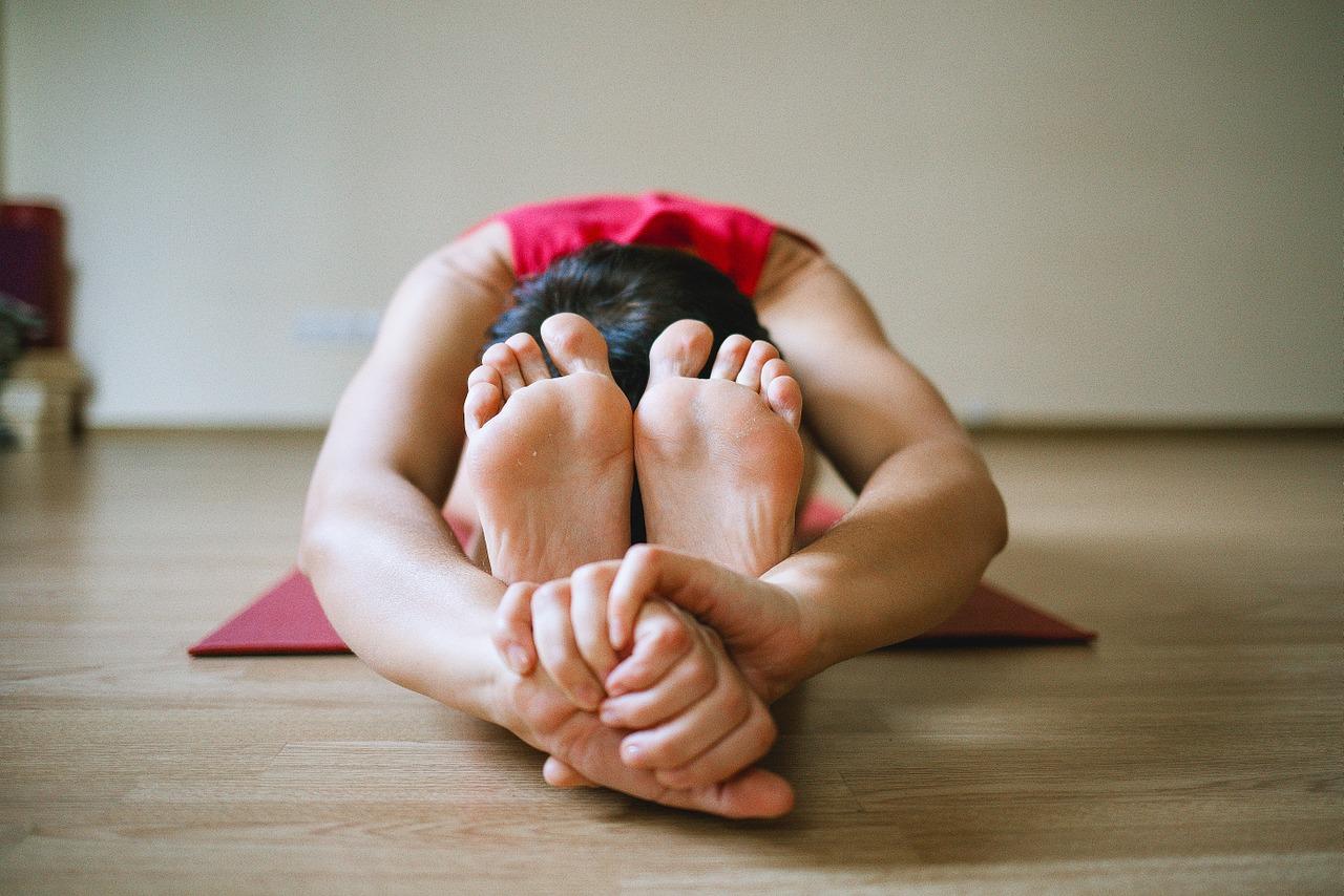 Legs-Yoga-Sports-Girl-1146277.jpg
