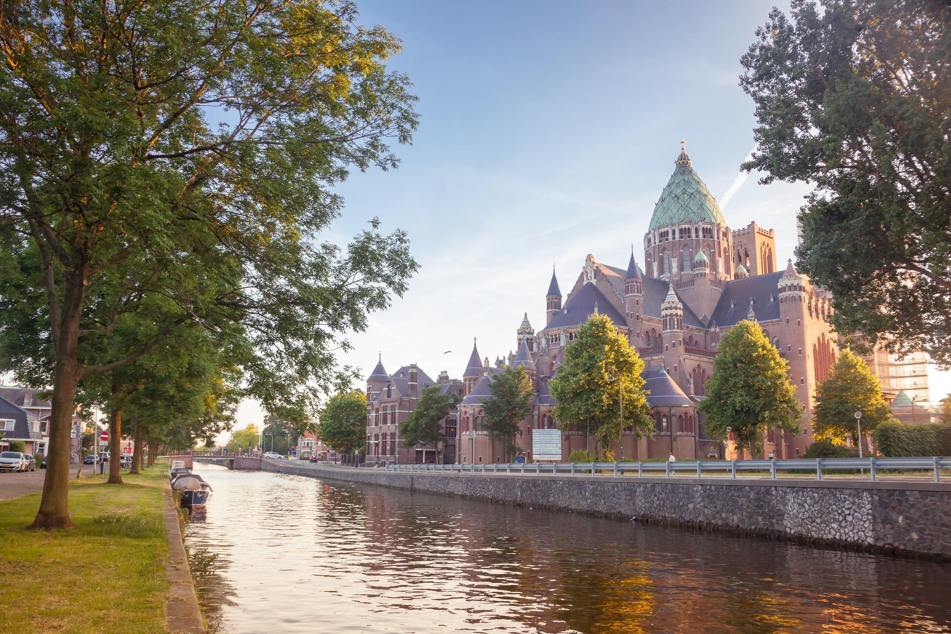 St Bavo Catholic Cathedral, Haarlem AdobeStock_164702555