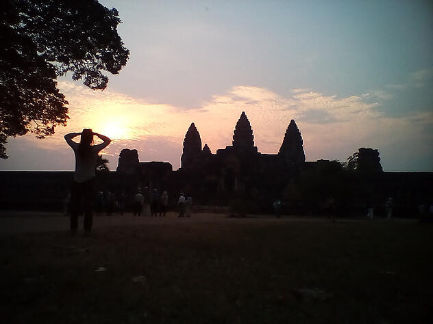 Sunset_at_Angkor_Wat.jpg