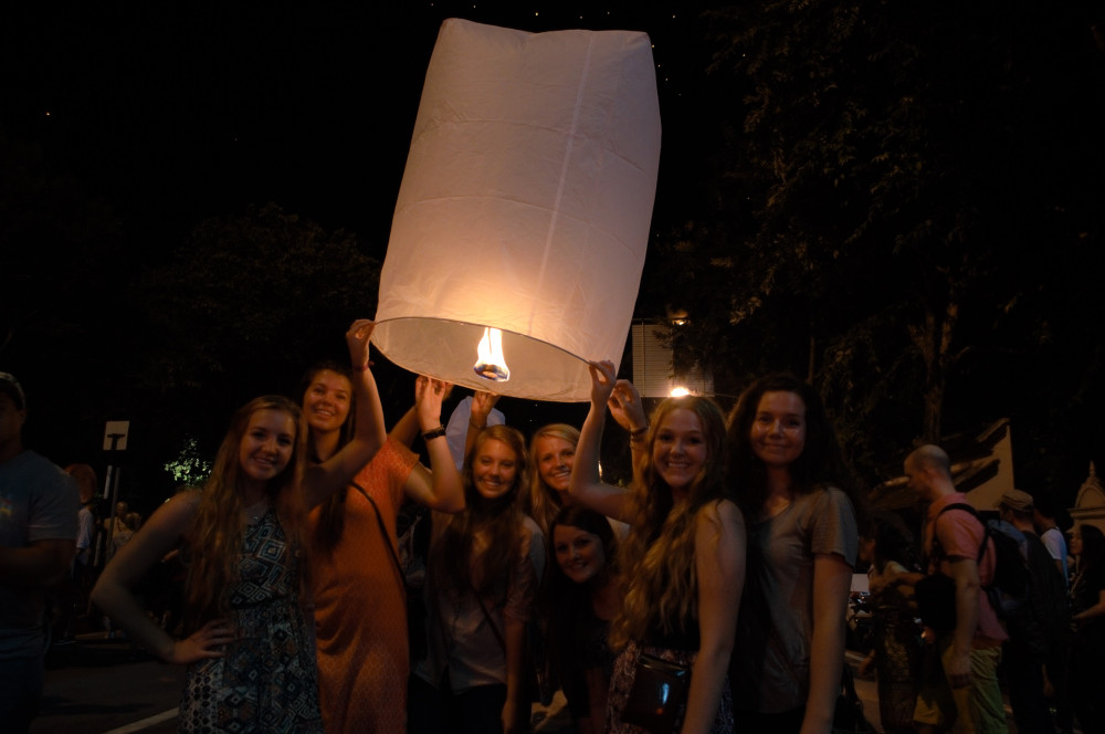 Thailand_Lantern_Festival.jpg