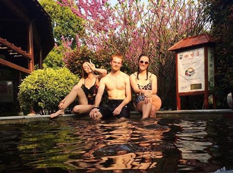 visit hot springs in china