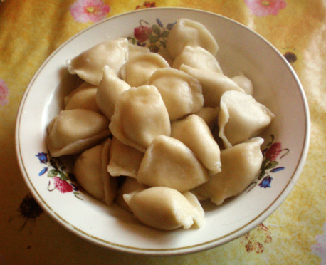eat vareniki in russia
