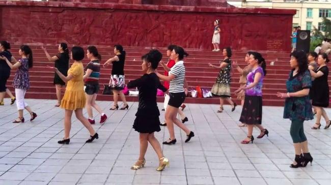 zumba_in_china-1.jpg